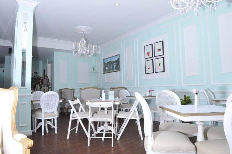 Luxury Café Located @ Holland V