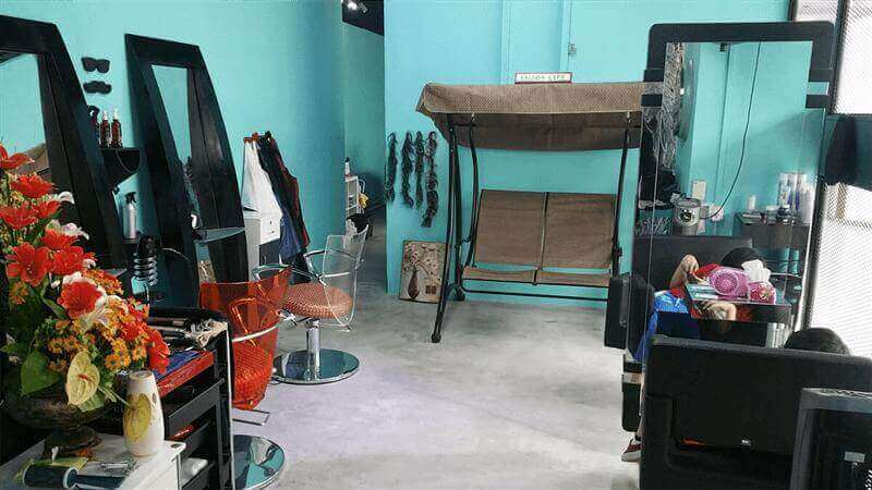 HAIR SALON & BOUTIQUE (RARE HUGE UNIT IN TOWN WITH LOW RENTAL)