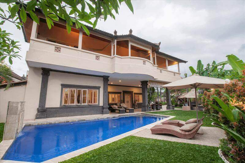 Large 5 Star Villa Seseh Near Echo Beach Bali For Sale