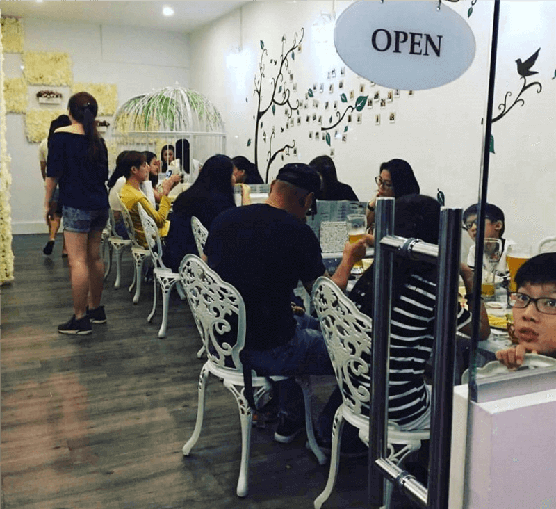 Popular Cafe For Sale At Bedok Call 82225731