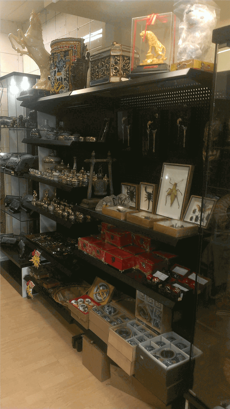 Gifts & Souvenir Business At Chinatown In Singapore For Sale